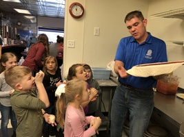 Kindergarten Students Travel to Jukebox Pizza